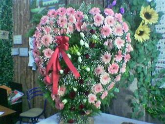 Burdur çiçek gönderme  SEVDIKLERINIZE ÖZEL KALP PANO