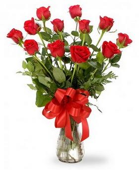 Burdur çiçek , çiçekçi , çiçekçilik  12 adet kırmızı güllerden vazo tanzimi