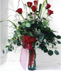 Burdur çiçek siparişi sitesi  7 adet gül özel bir tanzim