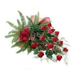 Burdur online çiçek gönderme sipariş  10 adet kirmizi gül özel buket çiçek siparisi