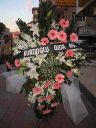 kazablanka,gerbera,sebboy ferforje  Burdur çiçekçi mağazası