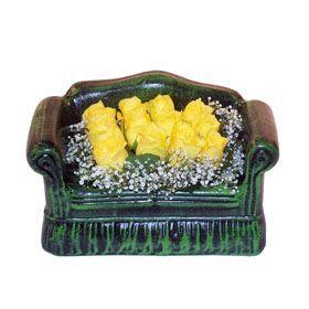 Seramik koltuk 12 sari gül   Burdur ucuz çiçek gönder