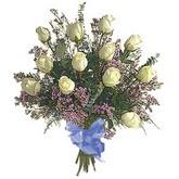bir düzine beyaz gül buketi   Burdur çiçek gönderme sitemiz güvenlidir