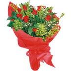 10 adet kirmizi gül buketi  Burdur çiçek yolla