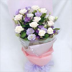 Burdur internetten çiçek satışı  BEYAZ GÜLLER VE KIR ÇIÇEKLERIS BUKETI
