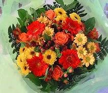 Burdur ucuz çiçek gönder  sade hos orta boy karisik demet çiçek