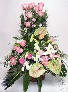 Burdur ucuz çiçek gönder  özel üstü süper aranjman