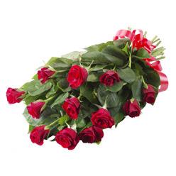 11 adet kirmizi gül buketi  Burdur yurtiçi ve yurtdışı çiçek siparişi