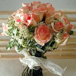 12 adet sonya gül buketi    Burdur çiçek gönderme