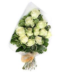 Burdur online çiçekçi , çiçek siparişi  12 li beyaz gül buketi.