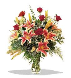 Burdur çiçek servisi , çiçekçi adresleri  Pembe Lilyum ve Gül