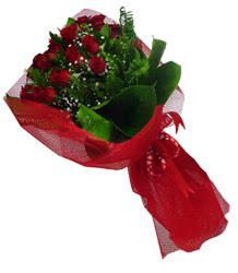 Burdur çiçek gönderme sitemiz güvenlidir  10 adet kirmizi gül demeti