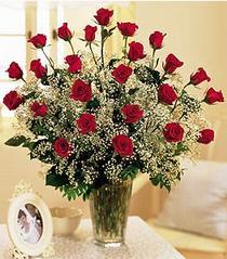 Burdur çiçek , çiçekçi , çiçekçilik  özel günler için 12 adet kirmizi gül