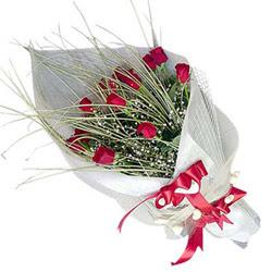 Burdur yurtiçi ve yurtdışı çiçek siparişi  11 adet kirmizi gül buket- Her gönderim için ideal