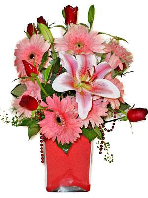 Burdur cicek , cicekci  karisik cam yada mika vazoda mevsim çiçekleri mevsim demeti