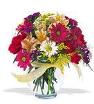 Burdur çiçek , çiçekçi , çiçekçilik  cam yada mika vazo içerisinde karisik kir çiçekleri