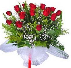 Burdur çiçek satışı  12 adet kirmizi gül buketi esssiz görsellik