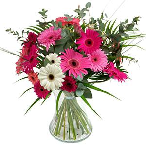 15 adet gerbera ve vazo çiçek tanzimi  Burdur online çiçek gönderme sipariş