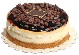 pasta yolla 4 ile 6 kisilik çikolatali yas pasta  Burdur online çiçek gönderme sipariş