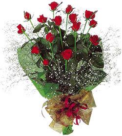 11 adet kirmizi gül buketi özel hediyelik  Burdur çiçekçi mağazası
