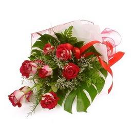 Çiçek gönder 9 adet kirmizi gül buketi  Burdur çiçek siparişi vermek