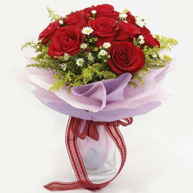 Çiçek gönderme estetikliginiz 11 gül buket  Burdur çiçekçi mağazası