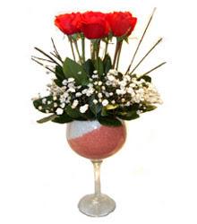 Burdur çiçekçiler  cam kadeh içinde 7 adet kirmizi gül çiçek