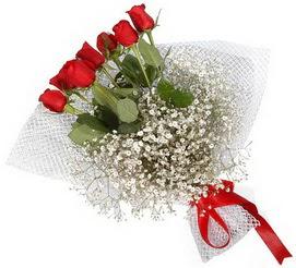 7 adet essiz kalitede kirmizi gül buketi  Burdur hediye sevgilime hediye çiçek