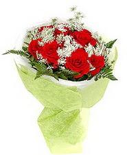 Burdur çiçek , çiçekçi , çiçekçilik  7 adet kirmizi gül buketi tanzimi