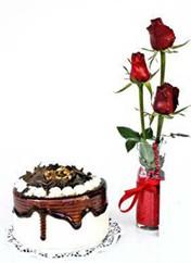 Burdur çiçek siparişi vermek  vazoda 3 adet kirmizi gül ve yaspasta