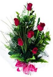Burdur güvenli kaliteli hızlı çiçek  5 adet kirmizi gül buketi hediye ürünü