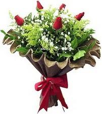 Burdur online çiçek gönderme sipariş  5 adet kirmizi gül buketi demeti
