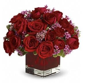 11 adet kırmızı gül vazosu  Burdur çiçekçiler