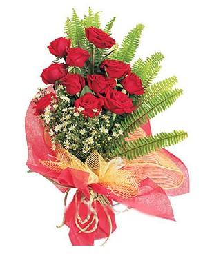 Burdur İnternetten çiçek siparişi  11 adet kırmızı güllerden buket modeli