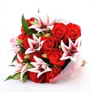 Burdur çiçek siparişi vermek  3 dal kazablanka ve 11 adet kırmızı gül
