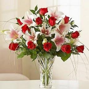 Burdur çiçek mağazası , çiçekçi adresleri  12 adet kırmızı gül 1 dal kazablanka çiçeği