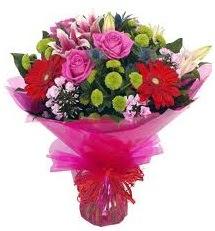 Karışık mevsim çiçekleri demeti  Burdur online çiçek gönderme sipariş