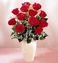 Burdur çiçekçi mağazası  9 adet vazoda özel tanzim kirmizi gül