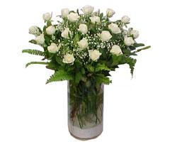 Burdur yurtiçi ve yurtdışı çiçek siparişi  cam yada mika Vazoda 12 adet beyaz gül - sevenler için ideal seçim