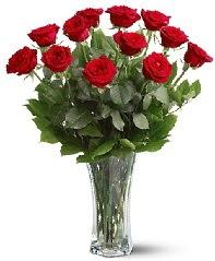 11 adet kırmızı gül vazoda  Burdur internetten çiçek siparişi