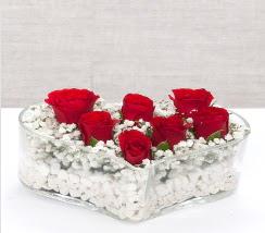 kalp içerisinde 7 adet kırmızı gül  Burdur çiçek siparişi vermek