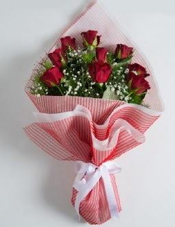 9 adet kırmızı gülden buket  Burdur çiçek satışı