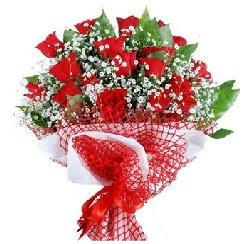 11 kırmızı gülden buket  Burdur 14 şubat sevgililer günü çiçek