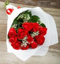 9 kırmızı gülden buket çiçeği  Burdur çiçek gönderme