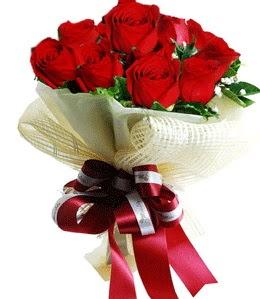 9 adet kırmızı gülden buket tanzimi  Burdur çiçek gönderme sitemiz güvenlidir