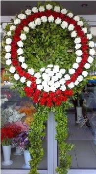 Cenaze çelenk çiçeği modeli  Burdur anneler günü çiçek yolla