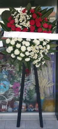 Cenaze çiçeği cenaze çiçek modelleri  Burdur çiçek siparişi sitesi