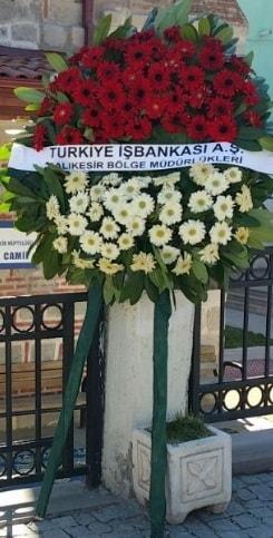 Cenaze çiçek modeli  Burdur hediye sevgilime hediye çiçek