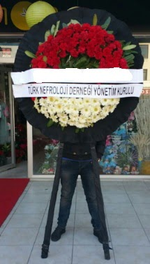 Cenaze çiçek modeli  Burdur çiçek siparişi sitesi