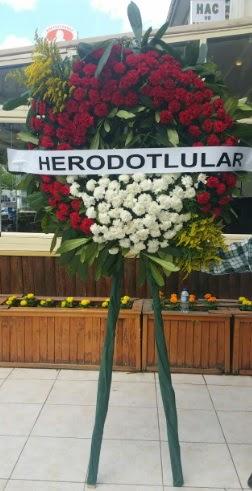 Cenaze çelengi cenazeye çiçek modeli  Burdur çiçek satışı